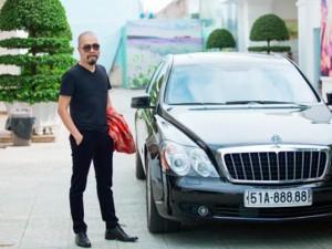 Thời trang - NTK Đức Hùng đi siêu xe 30 tỷ đến chấm giải Siêu mẫu
