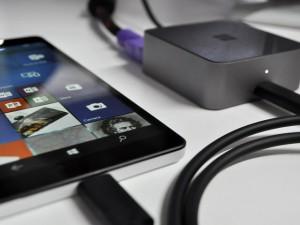 Thời trang Hi-tech - Lumia 950 XL có giá 16 triệu đồng: Chiếc PC thu nhỏ