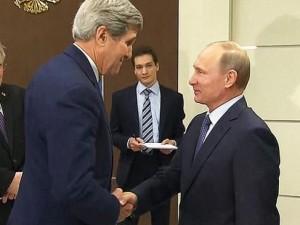 Thế giới - Putin gặp Ngoại trưởng Mỹ: Bắt tay diệt tận gốc khủng bố