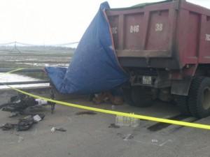 Tin tức trong ngày - Đi mua đồ đám tang, hai nữ sinh bị xe tải đâm chết