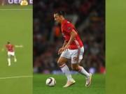 Bóng đá - MU: Ibra khó chịu ra mặt khi Rooney lười di chuyển