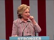 Thế giới - Bà Clinton ho sù sụ, phải nhờ mật vụ dìu xuống khán đài