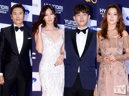"""""""Người tình"""" Song Hye Kyo rưng lệ nhận giải thưởng lớn - 5"""