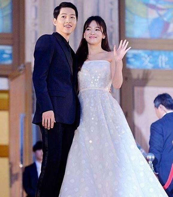 """""""Người tình"""" Song Hye Kyo rưng lệ nhận giải thưởng lớn - 3"""