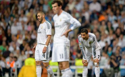 """Real: Tam tấu """"BBC"""" rệu rã & cơn đau đầu của Zidane"""