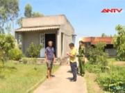 An ninh Xã hội - Kẻ bắt cóc rút lựu đạn, nhảy khỏi xe công an bỏ trốn