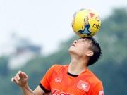 Bóng đá - ĐTVN: Công Vinh làm xiếc với trái bóng như Ronaldo