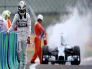 """Thể thao - F1, Lewis Hamilton: Vận đen của """"Viên ngọc đen"""""""