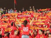 Bóng đá - Chê vé đắt, hội CĐV ra quán cà phê ủng hộ tuyển Việt Nam