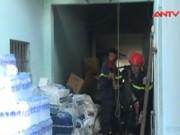 Video An ninh - Cháy khủng khiếp trong xưởng rượu giữa khu dân cư