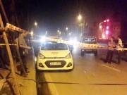 An ninh Xã hội - Lái xe taxi bị đâm vào cổ lao ra đường kêu cứu