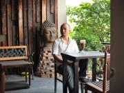 Quán cà phê toàn đồ cổ giữa Sài Gòn của Tiến Đạt