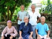 Tin tức trong ngày - Cuộc sống thú vị của 5 anh em ruột đều gần trăm tuổi ở Hải Dương