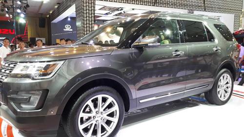 SUV hạng sang Ford Explorer có giá 2,18 tỷ đồng tại Việt Nam