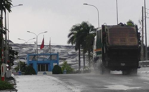 TP.HCM yêu cầu Đa Phước tiếp tục nhận 2.000 tấn rác/ngày