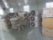 Thị trường - Tiêu dùng - Gom máy lạnh, máy giặt cũ Campuchia về bán cho ta