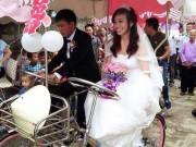 Bạn trẻ - Cuộc sống - Độc đáo chú rể rước dâu bằng xe đạp đôi ở Nghệ An