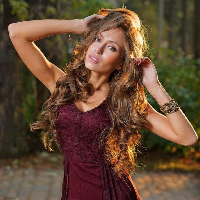 """Bí kíp dưỡng tóc đẹp như mơ của """"Angelina Jolie nước Nga"""" - 3"""
