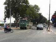 Tin tức trong ngày - Hà Nội: 2 thanh niên bị cuốn vào gầm xe sau tai nạn liên hoàn