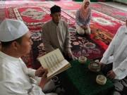 Thế giới - Trung Quốc cấm cha mẹ Tân Cương cho con theo tôn giáo