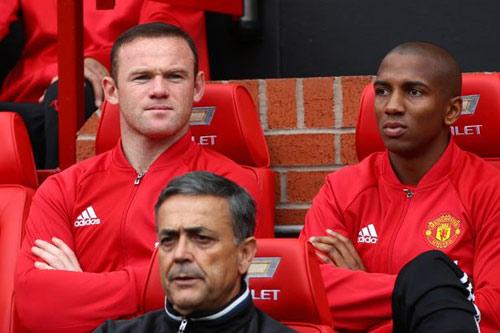 """MU tính bán Rooney đỡ """"gánh"""" 26 triệu bảng tiền lương"""
