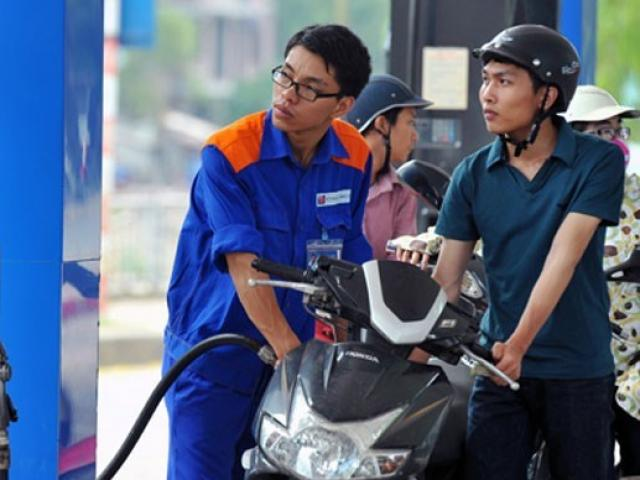 """""""Thuế chiếm phân nửa giá xăng dầu"""": Thứ trưởng Tài chính phản bác gay gắt"""