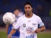 """Bóng đá - Ronaldinho, Maradona """"diễn xiếc"""" với nhiều huyền thoại"""