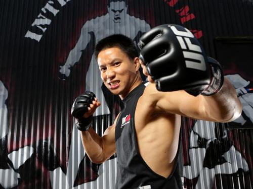 Tin thể thao 14/10: Võ sĩ gốc Việt dự sự kiện UFC