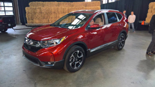 """2017 Honda CR-V ra mắt sớm, làm """"nóng"""" làng SUV"""