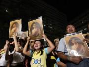 """Thế giới - Dân Thái đau đớn khóc thương vị vua """"thánh sống"""" băng hà"""
