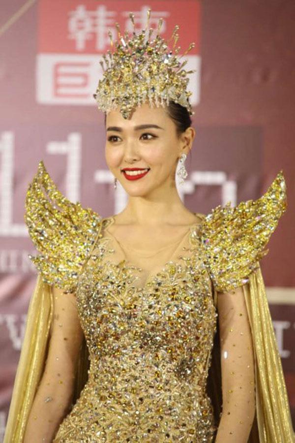 """Nhan sắc trẻ mãi của """"nữ thần Kim Ưng"""" Đường Yên - 1"""