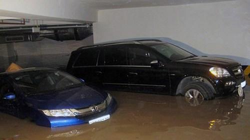 TPHCM: Mưa là ngập 'ám' bất động sản - 2