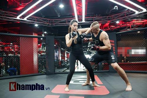 2 kiều nữ Việt Nam hạ knock-out huyền thoại UFC
