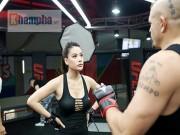 """Thể thao - 2 kiều nữ Việt Nam """"hạ knock-out"""" huyền thoại UFC"""