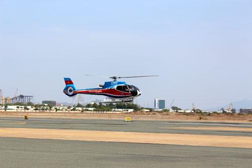 Trực thăng chở 3 người rơi ở Bà Rịa-Vũng Tàu - 1