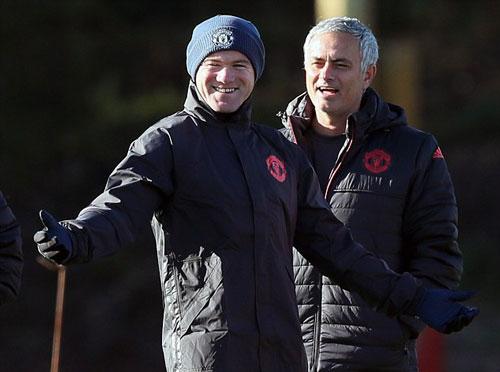Chuẩn bị Europa League, Rooney học đánh lộn - ảnh 3