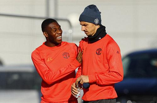 Chuẩn bị Europa League, Rooney học đánh lộn - ảnh 4