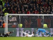 Bóng đá - Cứu thua kinh điển: Thủ môn Tottenham được ví là bạch tuộc