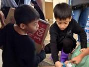 Ca nhạc - MTV - Xúc động con trai 6 tuổi của Hà Hồ giúp bà con vùng lũ