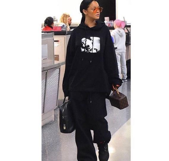 Hậu chia tay bạn trai, Rihanna ngày càng nóng bỏng - ảnh 4