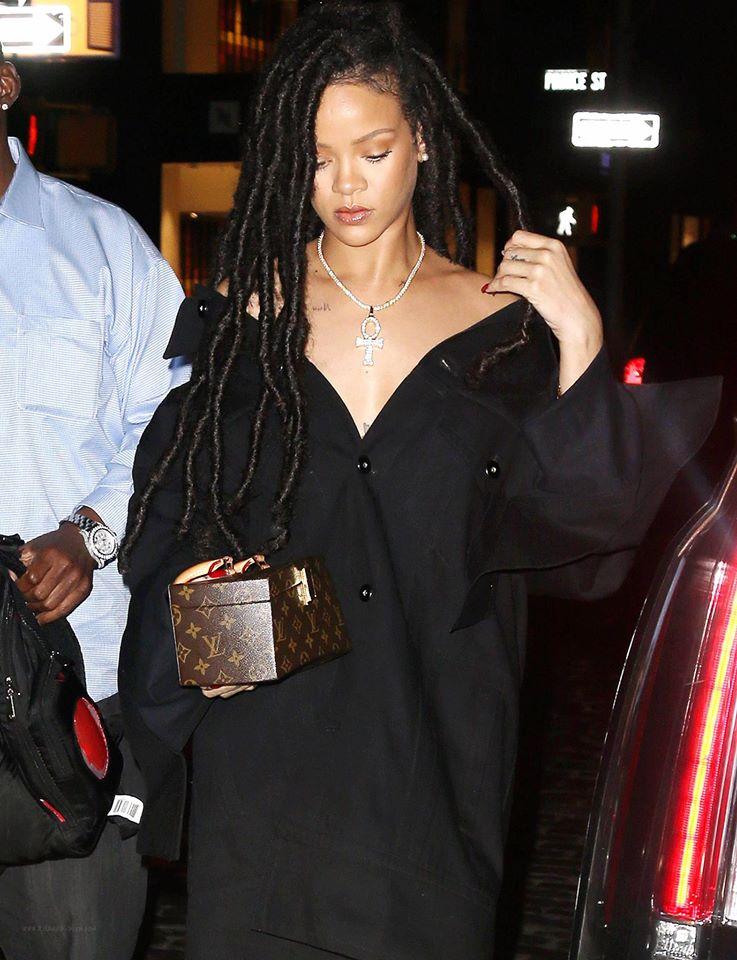 Hậu chia tay bạn trai, Rihanna ngày càng nóng bỏng - ảnh 8
