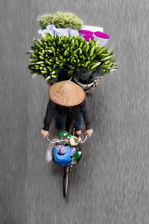 Xe hàng rong Hà Nội đẹp mê hồn nhìn từ trên cao - 4