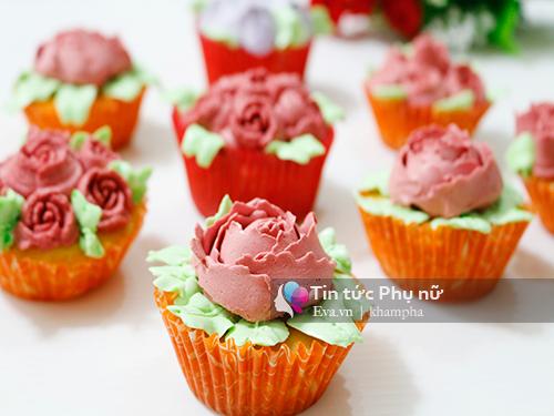 Làm bánh cupcake hoa hồng tặng mẹ 20-10