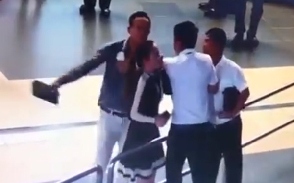 CA vào cuộc điều tra vụ nữ nhân viên hàng không bị đánh