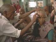 """Phi thường - kỳ quặc - Nơi phụ nữ cạo trọc để hiến tóc """"còn trinh"""" cho thần linh"""