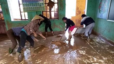 Mưa lũ tàn phá trường học, cơ sở giáo dục ở Quảng Bình - 1