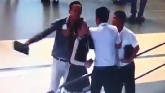 Nữ nhân viên hàng không bị đánh: Hà Nội yêu cầu công khai xin lỗi
