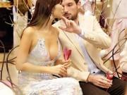 Thời trang - Hà Anh sexy bên chồng Tây tại buổi tiệc cho phái đẹp