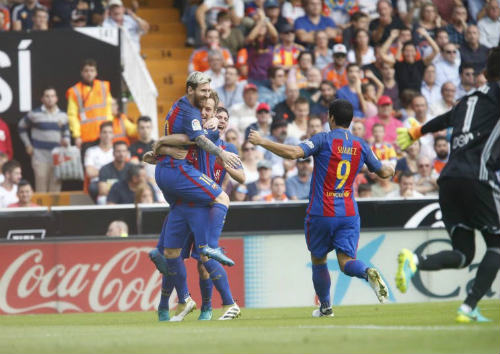 Valencia - Barcelona: Phút bù giờ định mệnh - 1