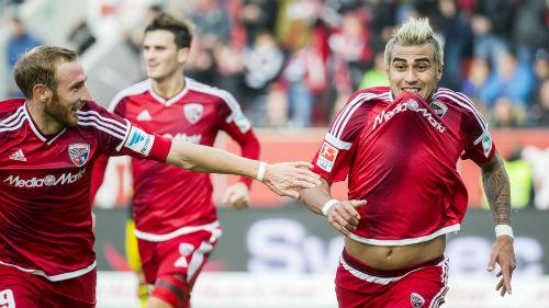 Ingolstadt - Dortmund: Hai bộ mặt trái ngược - 1